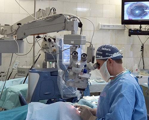 Операция поудалению катаракты.